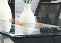 Стеклянные элементы и зеркало в производстве мебели